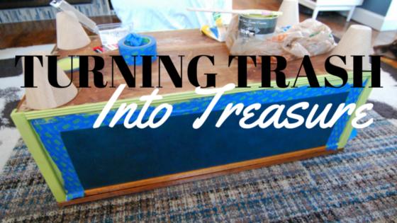 DIY Home Decor: Trunk Into Coffee Table